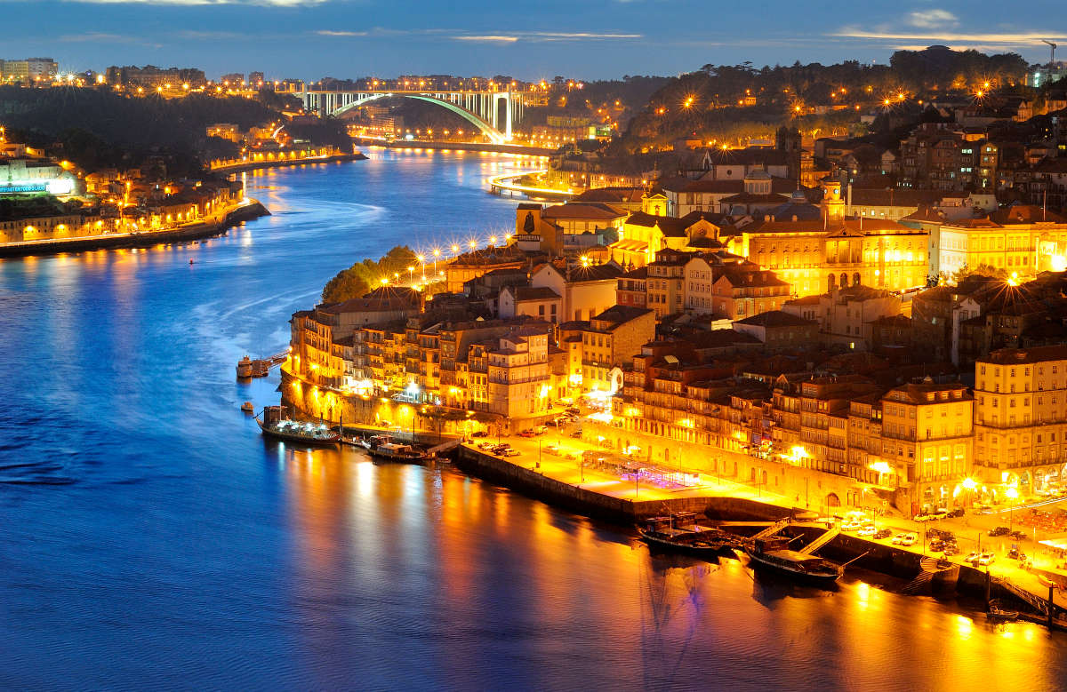 What does April 2017 in Porto have in store?